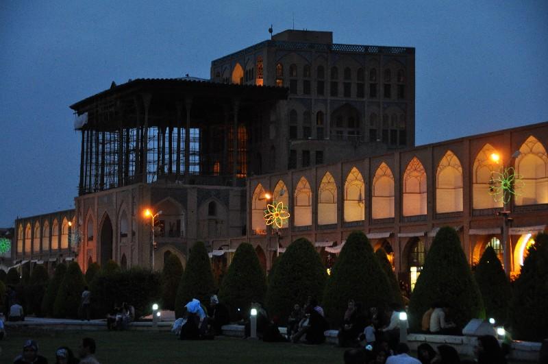 03.Esfahan - panovnícky palác Ali Qapu