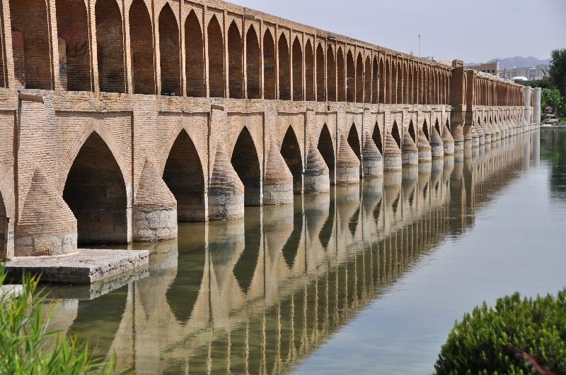 06.Esfahan - most Si-o-Seh Pol patrí k najkrajším v Esfahane