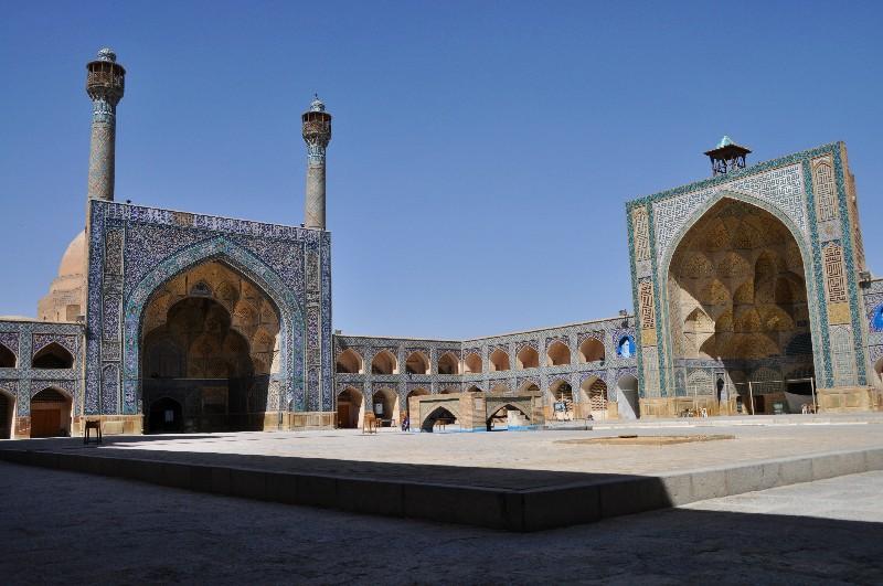 08.Esfahan - na nádvorí veľkej Piatkovej mešity